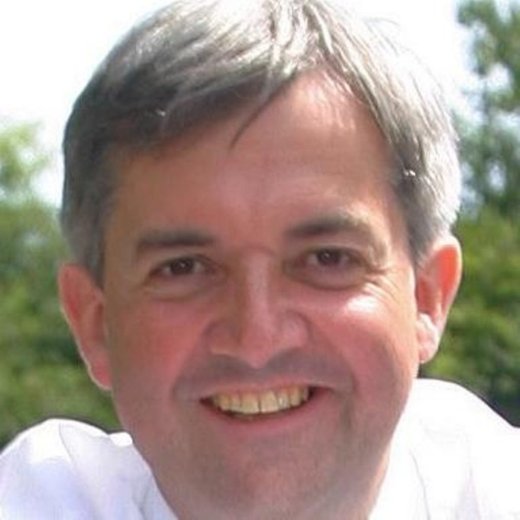 Huhne calls for UK to be world-leader on climate change