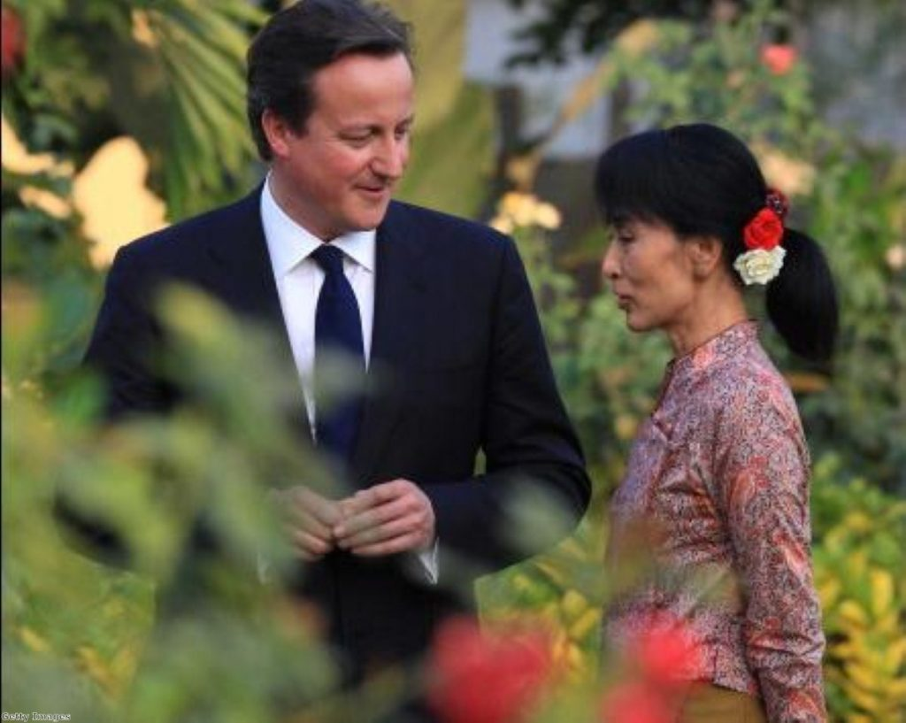 David Cameron meets iconic opposition leader Aung San Suu Kyi