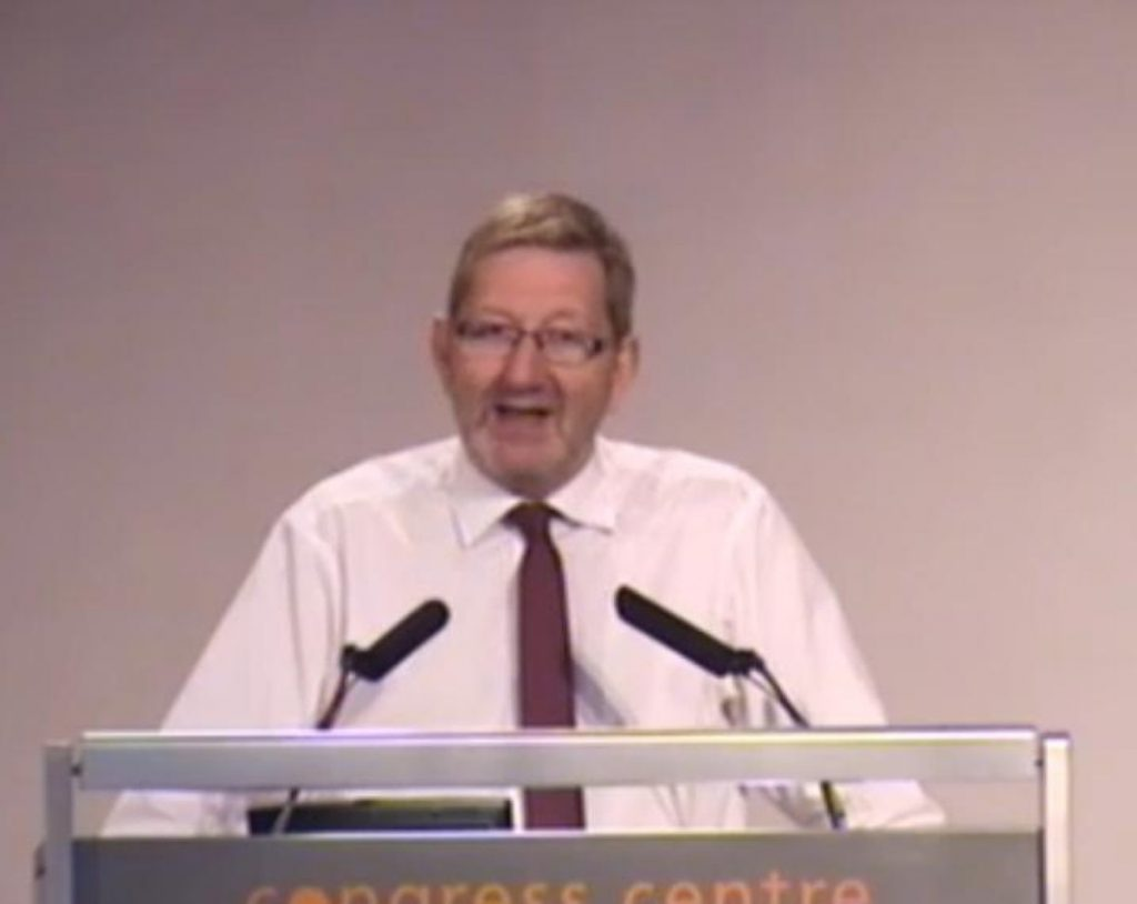 """Len McCluskey told a meeting of Unite representatives and activists he would not support a """"pinkish"""" Labour"""