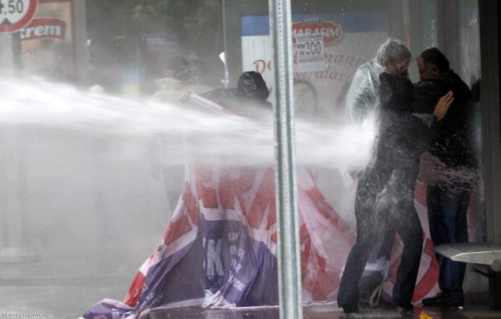 Water cannons in use against protesters in Turkey