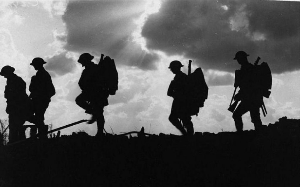 A British government photo from 1916 of UK troops advancing