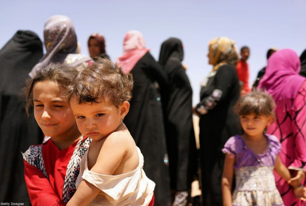 Refugees fleeing the Isis offensive pour into Kurdistan
