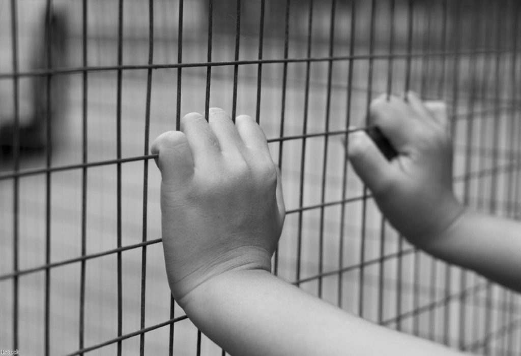 Government backtracks on previous pledge to end child detention