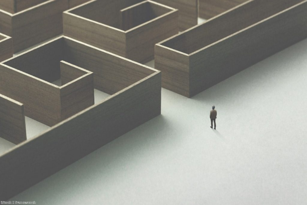 Stuck in a maze: British govt makes same Brexit mistakes all over again.