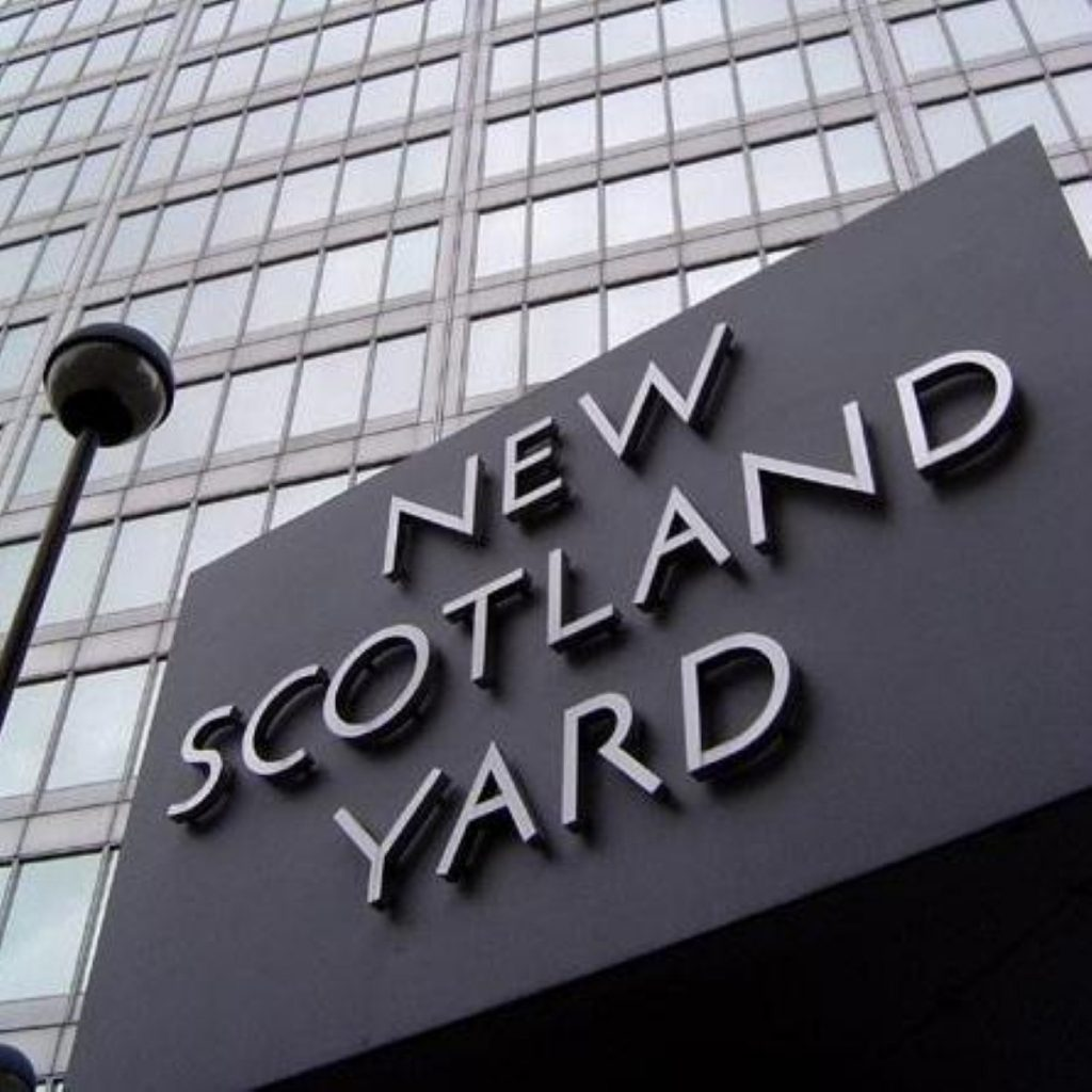 Met police hand 'cash-for-honours' file to CPS