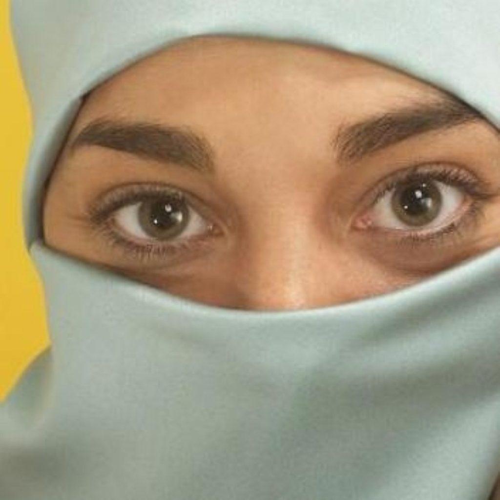 Tony Blair defends the row over the Muslim veil