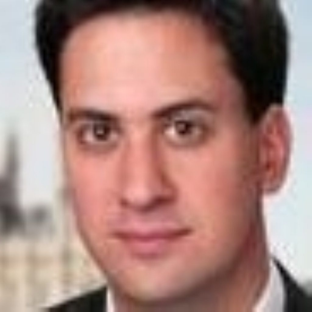 Miliband promises to tackle inequality