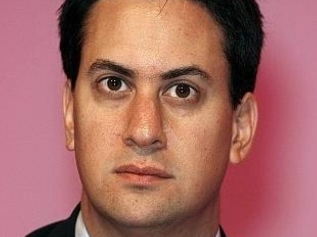 Ed Miliband calls on Lib Dem MPs to vote against the Budget