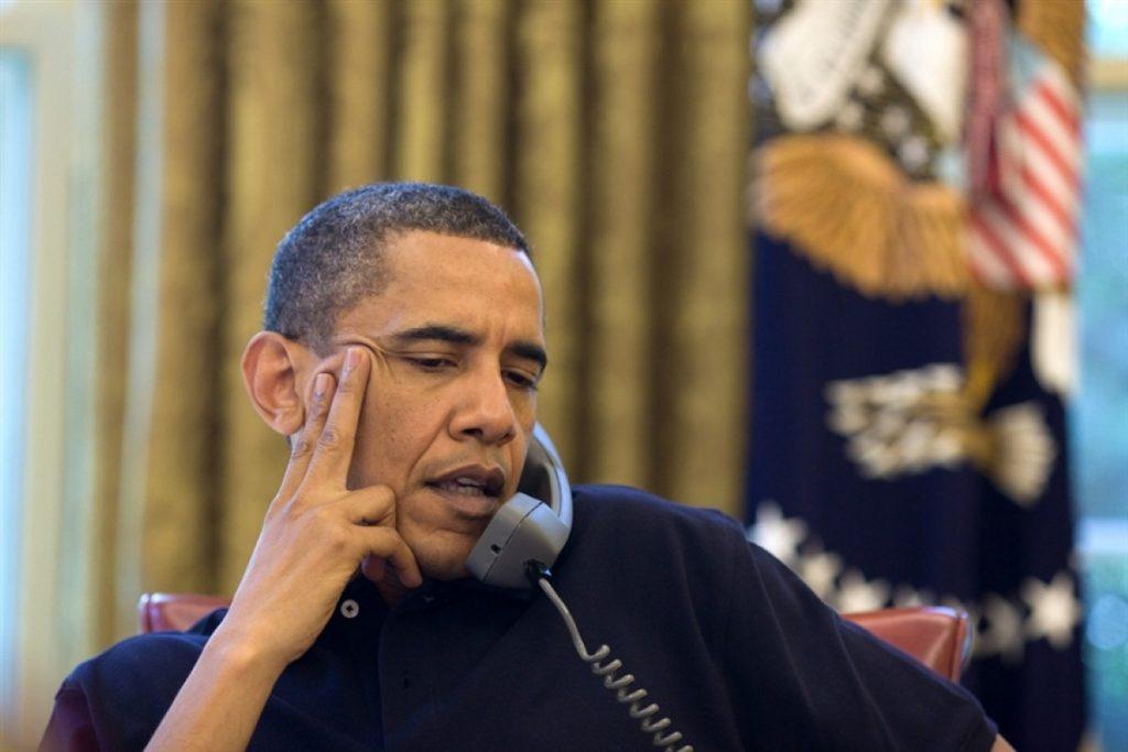 Barack Obama discusses the BP crisis with David Cameron