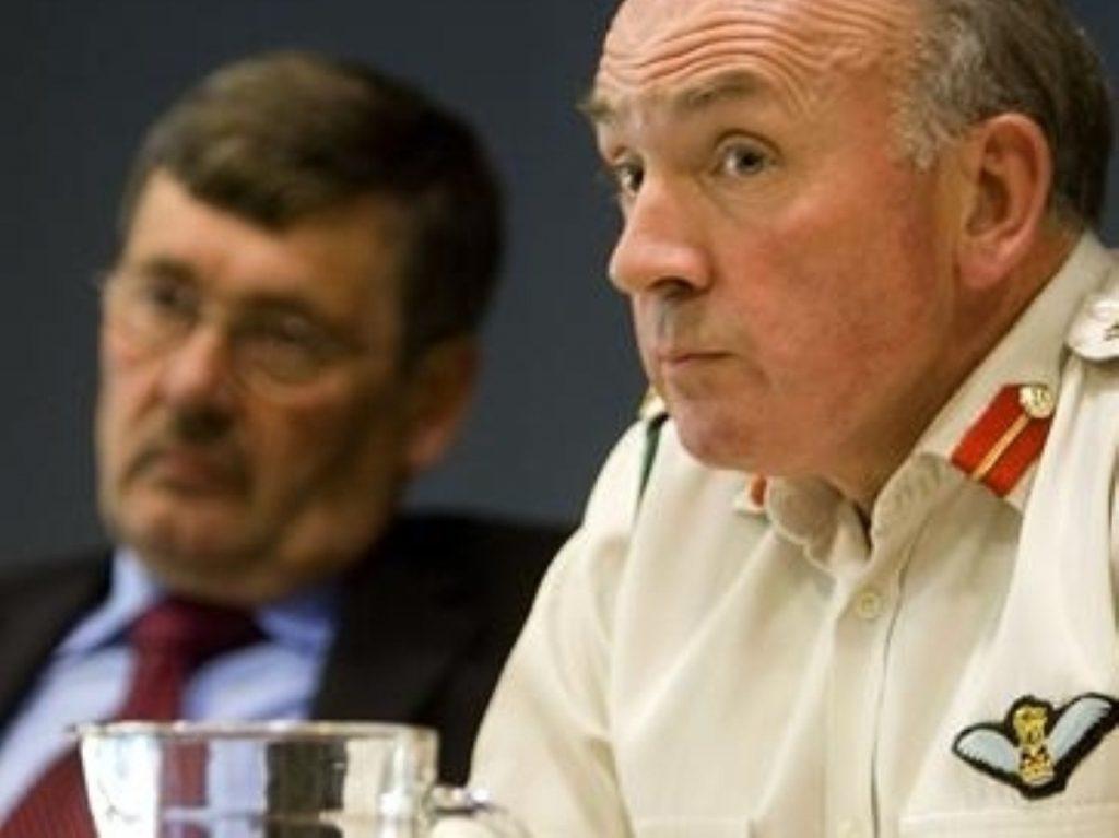 Dannatt (r) with former defence secretary Bob Ainsworth