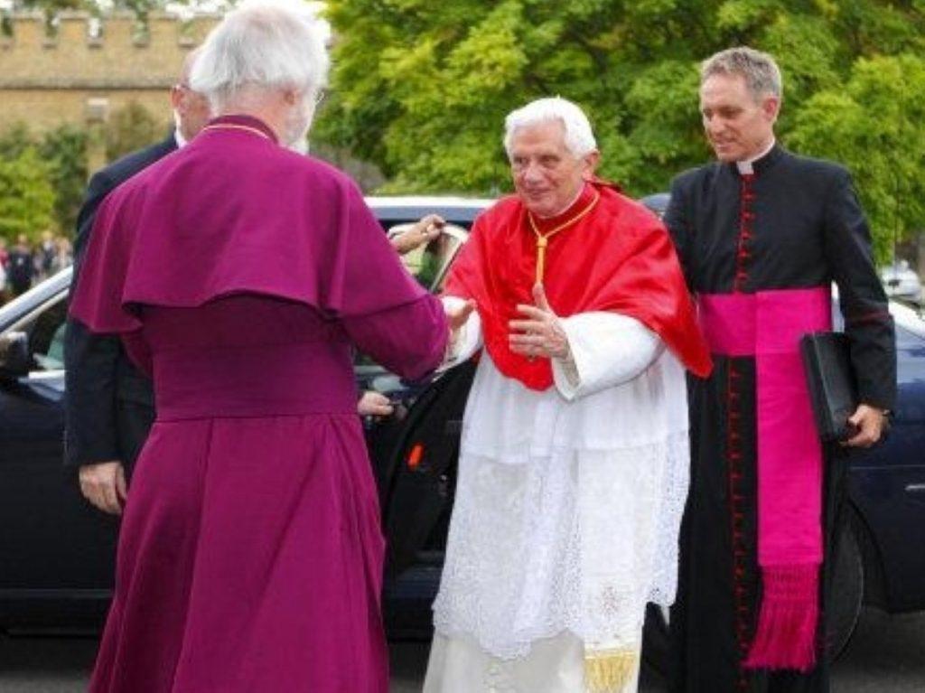 Archbishop of Canterbury greets Pope Benedict XVI